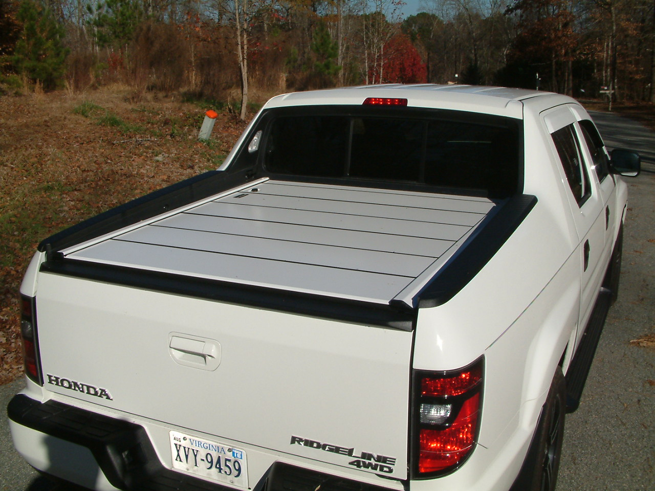 Honda ridgeline tonneau cover 2017 2018 2019 honda reviews for Types of bed covers
