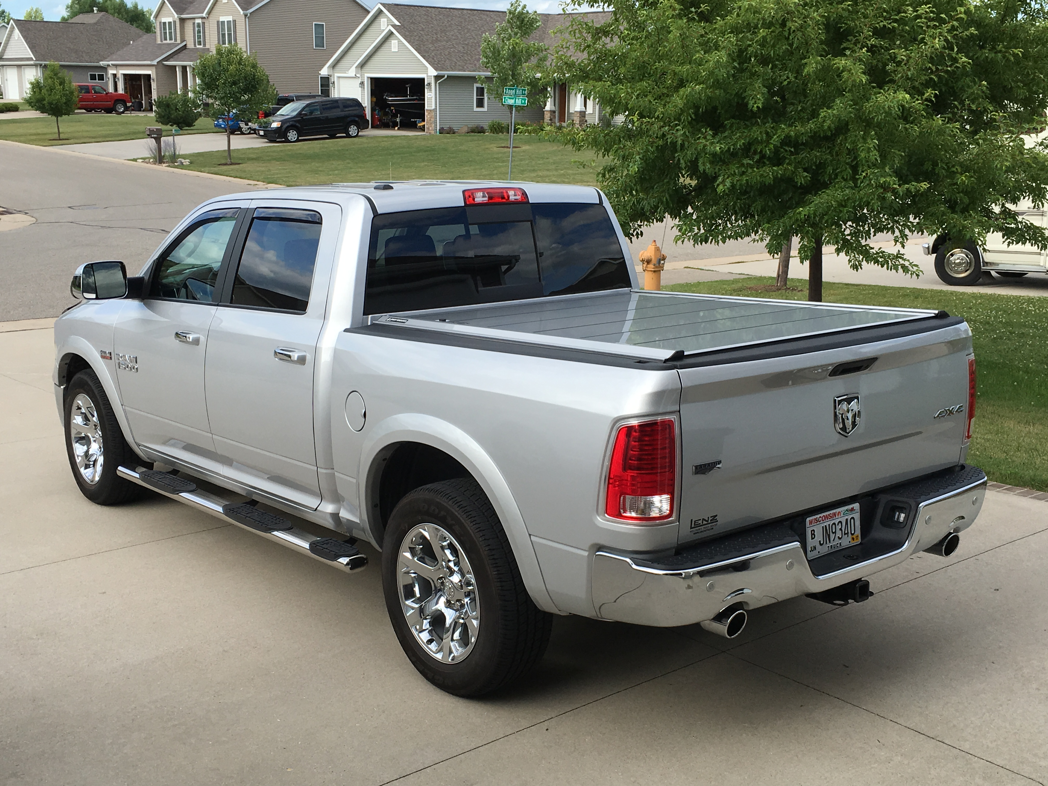 Peragon Retractable Truck Bed Covers For Dodge Dakota