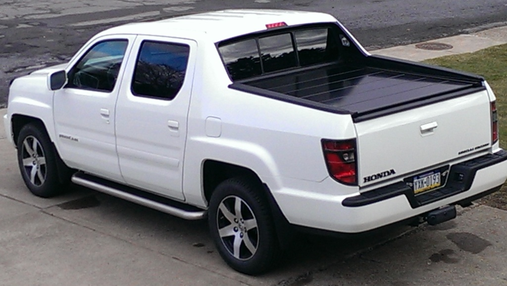 peragon retractable truck bed covers for honda ridgeline pickup trucks. Black Bedroom Furniture Sets. Home Design Ideas