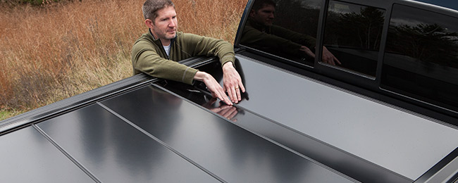 retracting-tonneau-cover