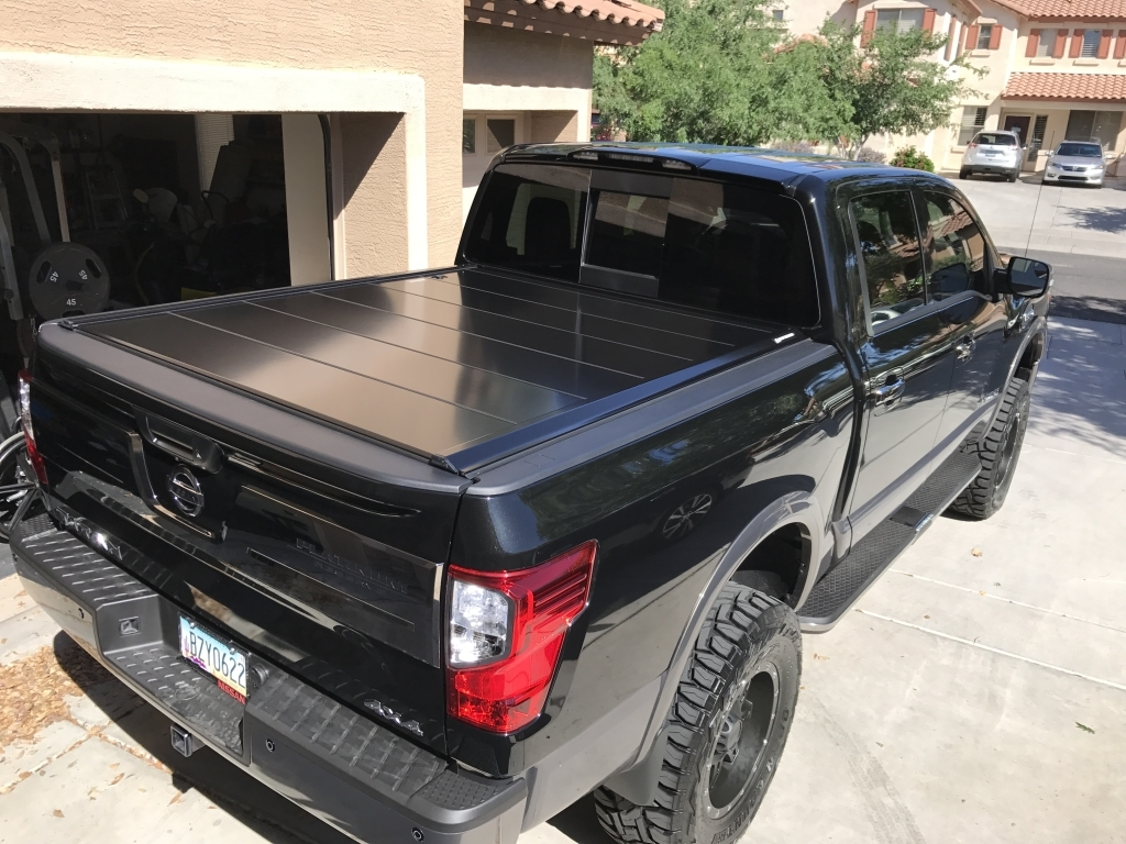 Peragon Retractable Truck Bed Covers For Nissan Frontier